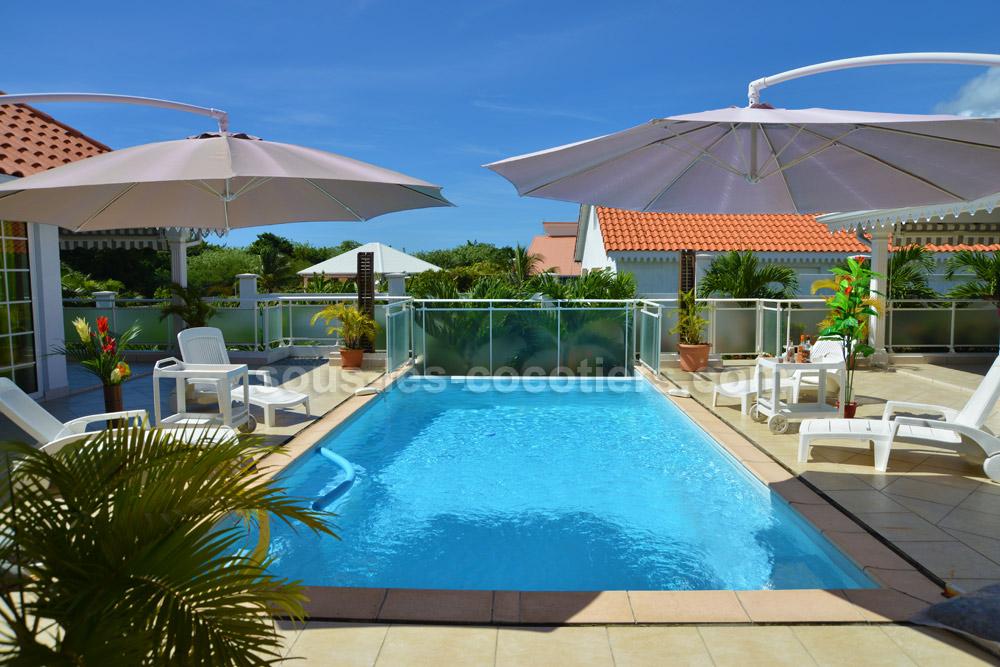Location villa martinique la casa elduardo sainte luce for Villa piscine debordement